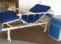 Giường y tế sắt sơn tĩnh điện 2 tay quay GYM-002